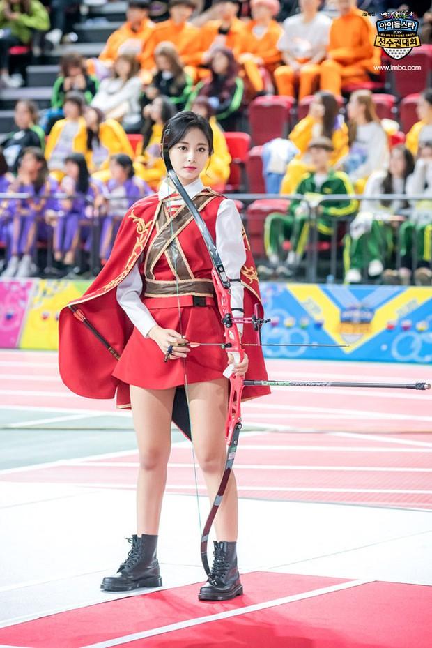 Dàn nữ thần huyền thoại của đại hội thể thao idol: Tzuyu mê hoặc đạo diễn Thor, Irene chưa hot bằng idol xứ Trung nổi sau 1 đêm - Ảnh 10.