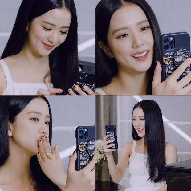 Soi mẫu ốp iPhone mới của Jisoo (BLACKPINK), hàng chính hãng Apple lại còn ton sur ton với outfit - Ảnh 1.