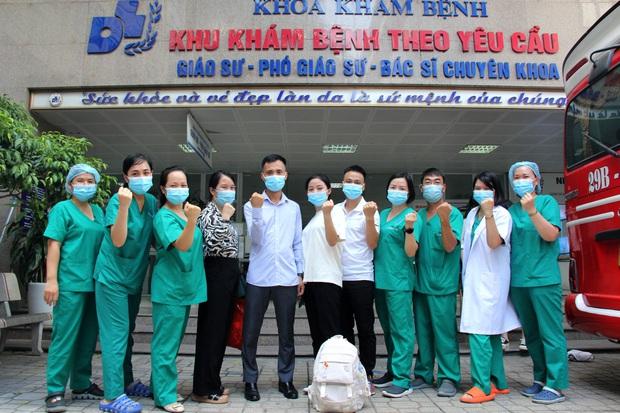 Gần 150 y bác sĩ tinh nhuệ ở Hà Nội chi viện TP.HCM chống dịch Covid-19 - Ảnh 1.