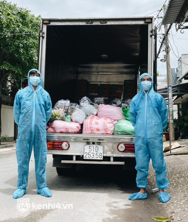Giám đốc trẻ ở Sài Gòn thành lập hội shipper từ thiện bằng ô tô, tiếp tế lương thực cho người dân trong khu phong tỏa, cách ly - Ảnh 4.