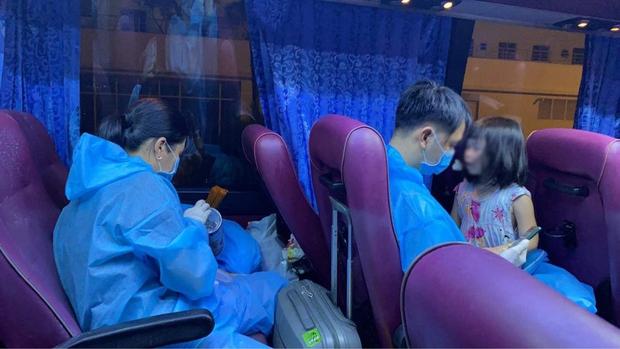 Gia đình 6 người nhiễm Covid-19 và 15 ngày điều trị tại Bệnh viện dã chiến số 6 ở TP.HCM - Ảnh 1.