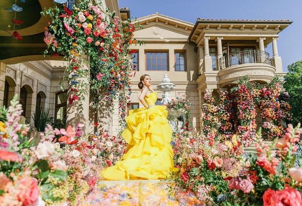 Nữ đại gia ở biệt thự 800 tỷ khoe ảnh tạo dáng bên ván Chanel từng khiến Chi Pu - Ngọc Trinh mê mẩn, vóc dáng U60 gây ngỡ ngàng - Ảnh 2.