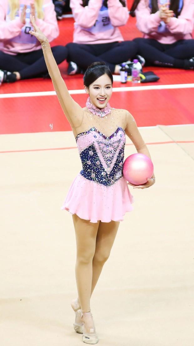 Dàn nữ thần huyền thoại của đại hội thể thao idol: Tzuyu mê hoặc đạo diễn Thor, Irene chưa hot bằng idol xứ Trung nổi sau 1 đêm - Ảnh 27.