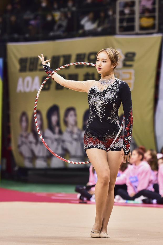 Dàn nữ thần huyền thoại của đại hội thể thao idol: Tzuyu mê hoặc đạo diễn Thor, Irene chưa hot bằng idol xứ Trung nổi sau 1 đêm - Ảnh 25.