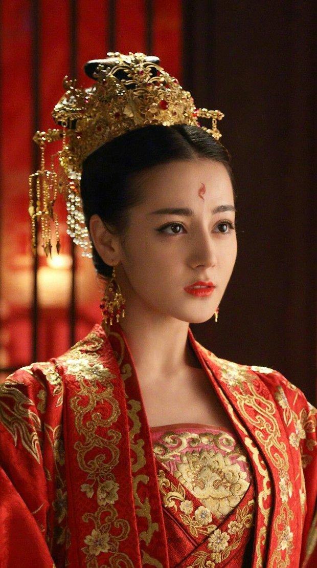 Tạo hình cổ trang của sao Trung: Bành Tiểu Nhiễm hơn cả xuất sắc, Dương Mịch đẹp nao lòng, phục trang của Châu Tấn kỳ công nhất - Ảnh 7.