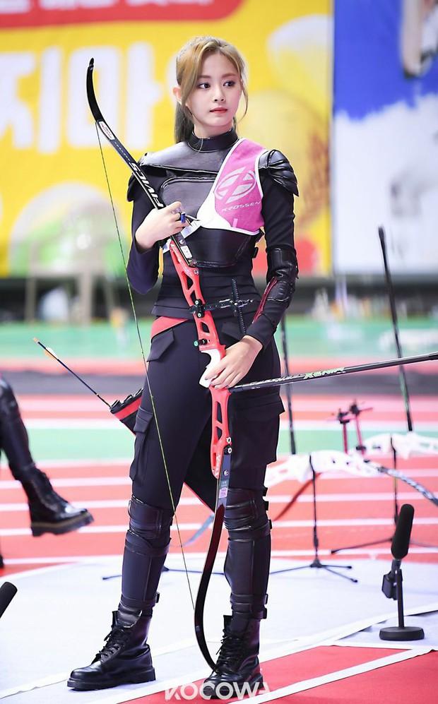Dàn nữ thần huyền thoại của đại hội thể thao idol: Tzuyu mê hoặc đạo diễn Thor, Irene chưa hot bằng idol xứ Trung nổi sau 1 đêm - Ảnh 7.