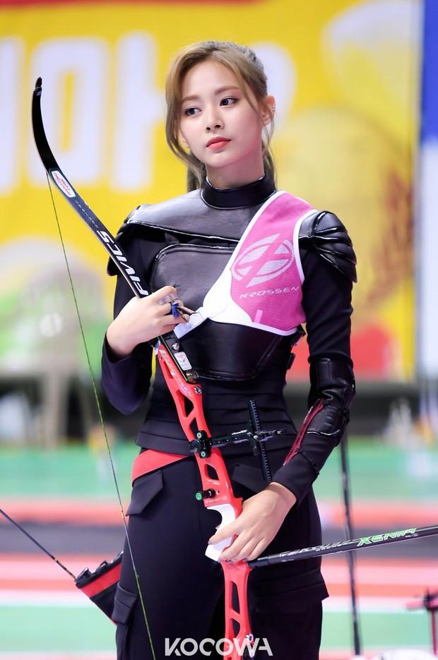 Dàn nữ thần huyền thoại của đại hội thể thao idol: Tzuyu mê hoặc đạo diễn Thor, Irene chưa hot bằng idol xứ Trung nổi sau 1 đêm - Ảnh 8.