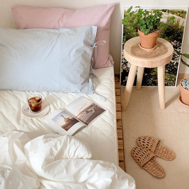 Học lỏm chị em bên Hàn 4 tips decor hạt dẻ nhưng lại làm phòng ngủ xinh hơn thấy rõ  - Ảnh 1.