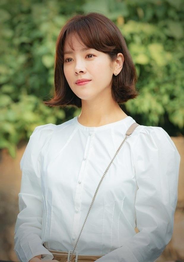 8 mỹ nhân hack tuổi thần sầu của phim Hàn: Son Ye Jin trẻ mãi không già, Jang Nara như ăn thịt Đường Tăng - Ảnh 23.