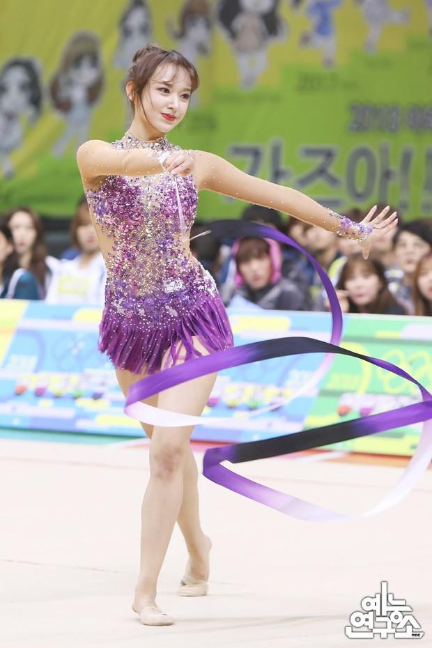 Dàn nữ thần huyền thoại của đại hội thể thao idol: Tzuyu mê hoặc đạo diễn Thor, Irene chưa hot bằng idol xứ Trung nổi sau 1 đêm - Ảnh 24.