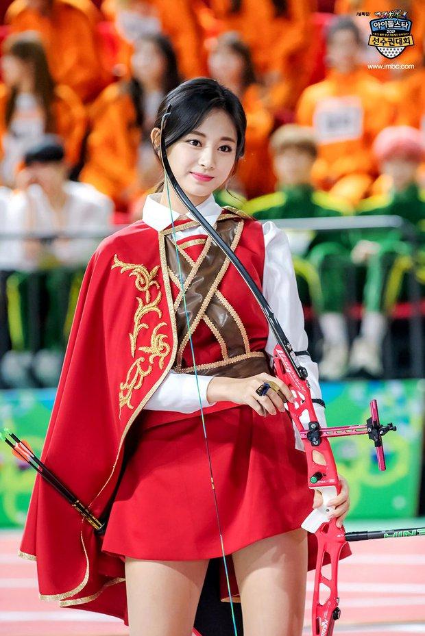 Trăm nghìn người phát sốt vì 1 nữ thần bắn cung đẹp như tiên tử đang náo loạn Olympic, ai dè phải bật ngửa khi biết danh tính - Ảnh 12.