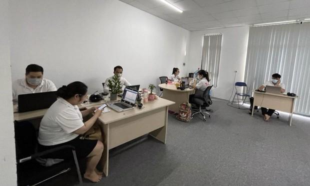 Lập biên bản 24 người làm việc tại văn phòng công ty vi phạm phòng chống dịch - Ảnh 2.