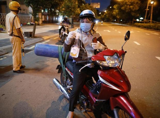 Vụ người bố đi mua bình oxy cứu con: Số tiền dân mạng ủng hộ trong 1 tiếng đã mang đến cái kết đẹp - Ảnh 2.