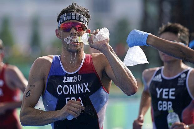 Vận động viên chịu khổ sau những lời nói dối của ban tổ chức về tình hình thời tiết tại Olympic Tokyo 2020 - Ảnh 2.