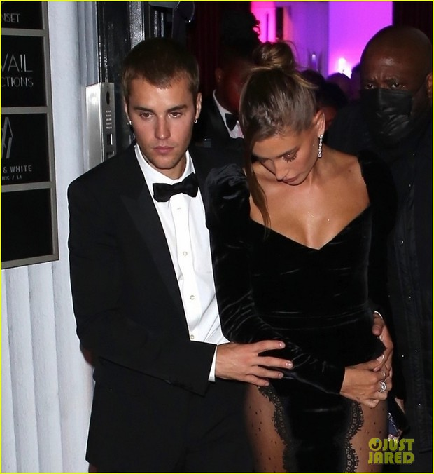 Justin Bieber mở tiệc cực hot: Lên đồ lột xác bảnh như chú rể, ôm khư khư Hailey vì lo nàng mặc váy xẻ sâu hoắm đến mức lộ hàng - Ảnh 6.