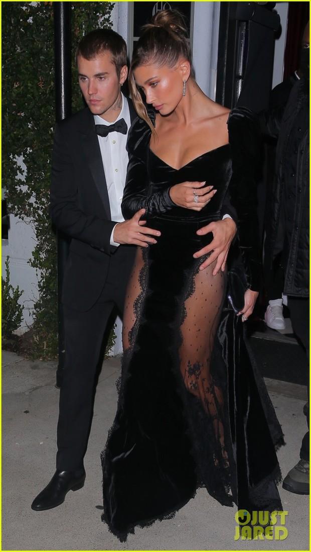 Vợ chồng Justin Bieber tung ảnh sự kiện hot: Chàng thần thái đỉnh cao, spotlight lại dồn về vòng 3 lộ gần hết của Hailey - Ảnh 9.
