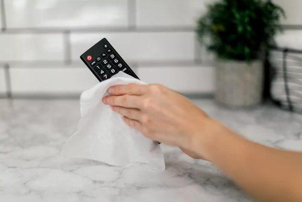 Ở nhà buồn chán đừng quên vệ sinh tivi, có một thứ đi kèm bẩn gấp 20 lần toilet mà nhiều người bỏ qua - Ảnh 4.