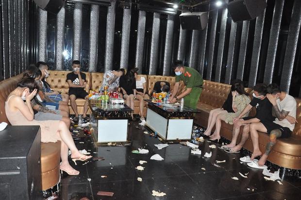 Khởi tố vụ án 48 nam, nữ bay lắc ma túy trong quán karaoke  - Ảnh 1.