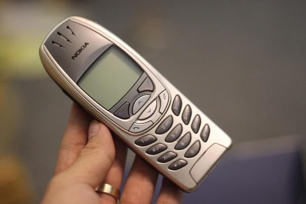 Nokia 6310 hồi sinh với thiết kế mới, giá 1,1 triệu đồng - Ảnh 2.