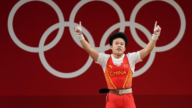 Netizen Trung Quốc nổi giận vì nhà vô địch Olympic bị truyền thông châu Âu chụp ảnh xấu - Ảnh 3.