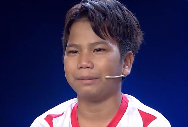 Cậu bé 1 chân rơi nước mắt trên truyền hình: Con nhớ nhà, nhớ chó, nhớ xe đạp... - Ảnh 4.
