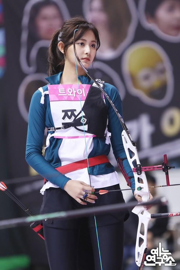 Dàn nữ thần huyền thoại của đại hội thể thao idol: Tzuyu mê hoặc đạo diễn Thor, Irene chưa hot bằng idol xứ Trung nổi sau 1 đêm - Ảnh 6.