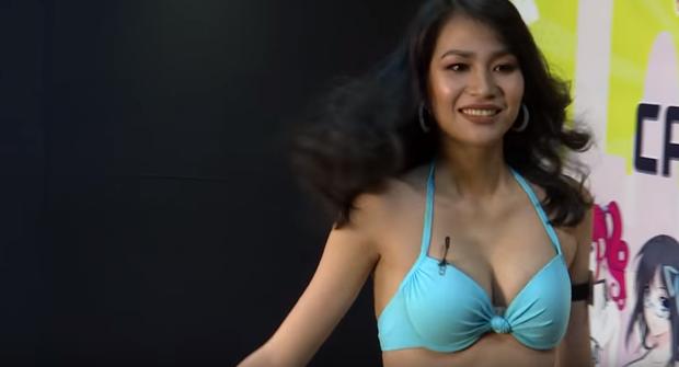 Show thực tế Việt gây ồn ào vì cho thí sinh mặc bikini liên tục, tạo dáng quá gợi cảm trên truyền hình - Ảnh 1.