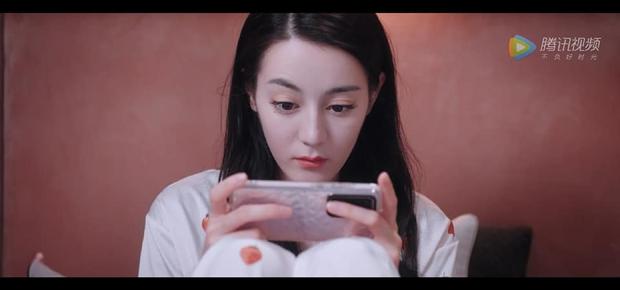 Netizen soi ra điểm khác biệt thú vị giữa Dương Dương và Nhiệt Ba trong phim, còn lên hẳn hotsearch vì quá hề hước - Ảnh 6.