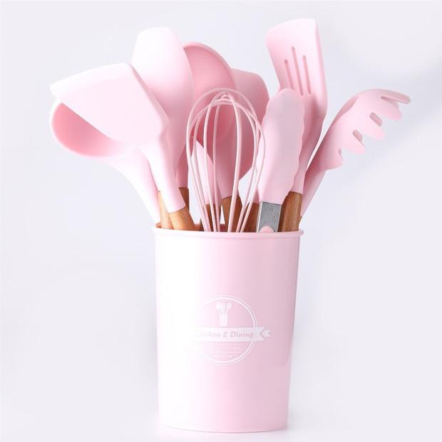Ngọc Trinh có full combo dụng cụ làm bếp màu pastel xinh quá, bỏ vài trăm là mua được nè chị em ơi - Ảnh 8.
