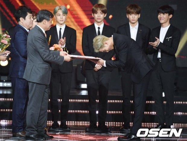 Trước sự nổi tiếng thế giới của BTS, EXO từng là sự lựa chọn của quốc gia, biểu diễn từ Olympic đến Asian Game - Ảnh 14.