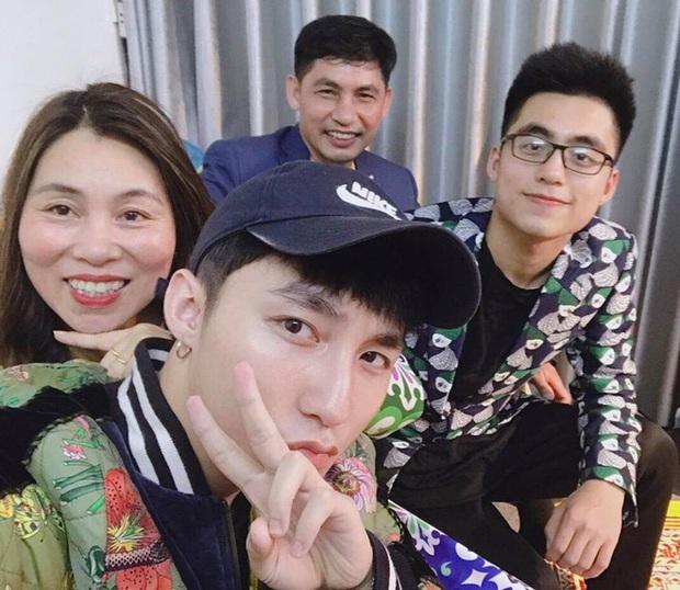 Mẹ của Sơn Tùng M-TP lấy hit con trai làm nhạc chờ, phản ứng yêu cầu đổi nhạc từ chính chủ gây chú ý - Ảnh 6.