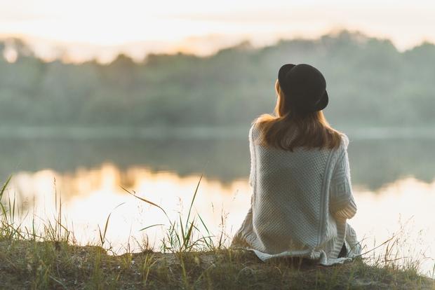5 lời khuyên giúp bạn vượt qua ngày bão tố và những thời điểm burn-out, không còn động lực sáng tạo hay cố gắng làm bất cứ việc gì - Ảnh 2.