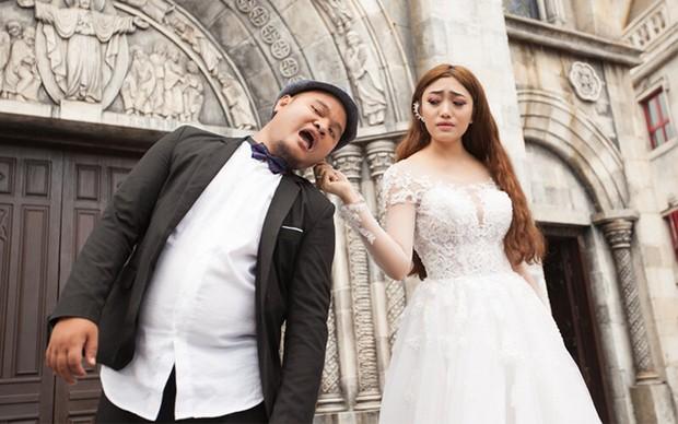 Chuyện đêm tân hôn của Vinh Râu - Lương Minh Trang hot trở lại: Bị FAP TV chơi khăm mừng toàn tiền lẻ, đếm tới 4 giờ sáng - Ảnh 3.