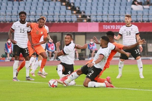 Bị cầm hòa 1-1, đương kim á quân Olympic Đức bị loại khỏi Thế vận hội ngay sau vòng bảng - Ảnh 7.