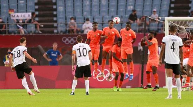 Bị cầm hòa 1-1, đương kim á quân Olympic Đức bị loại khỏi Thế vận hội ngay sau vòng bảng - Ảnh 8.
