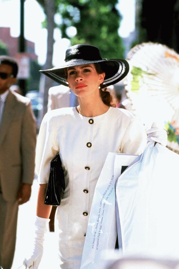 Julia Roberts trong Pretty Woman (1990): Lên đồ gái ngành nhưng không phản cảm, tới lúc lột xác thì còn xuất sắc hơn - Ảnh 3.
