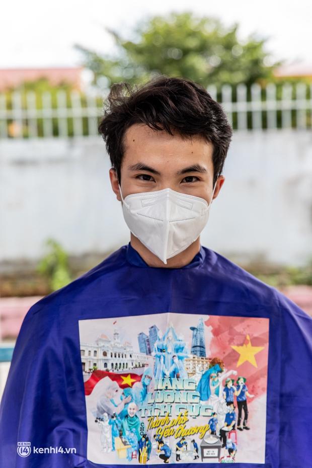Sân khấu đặc biệt: Nơi ca sĩ Phương Thanh và các nghệ sĩ biểu diễn cho 4.000 F0 tại bệnh viện dã chiến - Ảnh 3.
