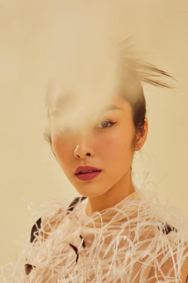 """Tại sao nói Hà Tăng là mỹ nhân hàng đầu Vbiz? Xem full bộ ảnh khoe cận góc mặt sắc lẹm và body """"bức thở"""" này là rõ - Ảnh 10."""