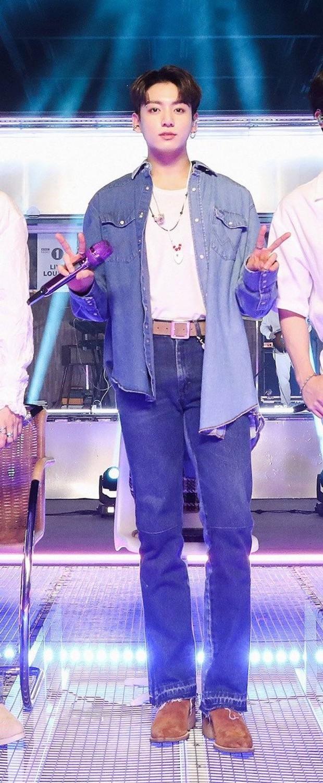 V và Jungkook (BTS) chiếm trọn spotlight trên sân khấu mới nhất: giọng hát cực phẩm, visual cũng cực mlem - Ảnh 7.