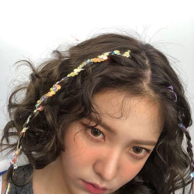 Sao Hàn dạo này đang mê tít tóc tết, học theo trông không như nàng thơ thì cũng hack tuổi siêu đỉnh - Ảnh 9.