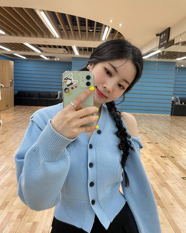 Sao Hàn dạo này đang mê tít tóc tết, học theo trông không như nàng thơ thì cũng hack tuổi siêu đỉnh - Ảnh 5.