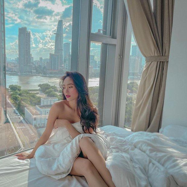 Trên giường dạo này: Chi Pu mặc crop top khoe thân khét lẹt, Thánh nội y liệu có dễ bị lép vế? - Ảnh 5.