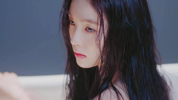 Mặc scandal thái độ, Irene (Red Velvet) vẫn cứ là đẹp ngây ngất trong teaser mới khiến dân tình muốn ghét cũng không ghét nổi - Ảnh 5.