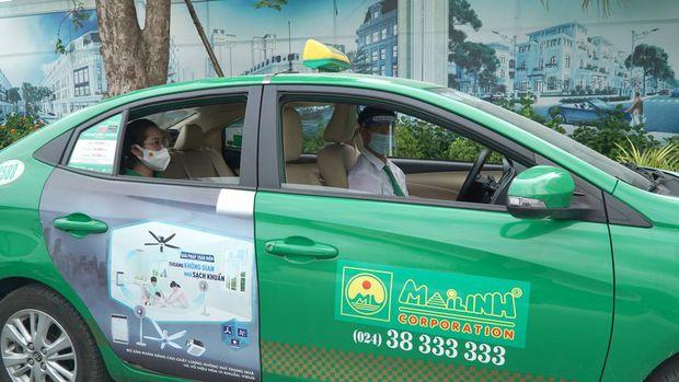 Sở GTVT thành phố Hà Nội chấp thuận phương án vận hành 200 xe taxi phục vụ nhu cầu người dân - Ảnh 1.