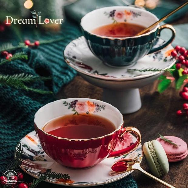 Jennie khoe ảnh uống trà chiều: Đến bộ tách đĩa cũng phải là hàng hiệu mới chịu, bóc giá mà... nấc nhẹ - Ảnh 5.