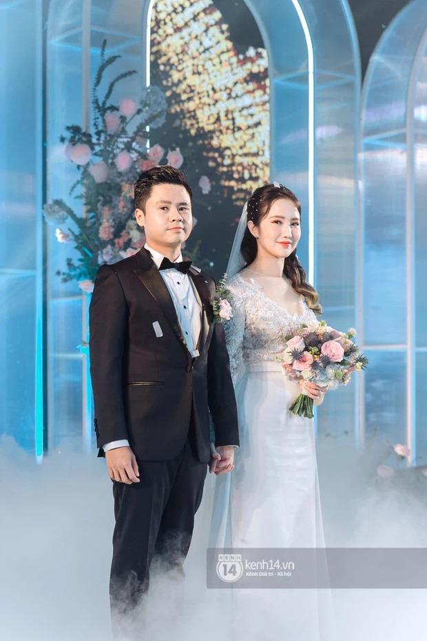 Vợ TGĐ Phan Thành check-in ở background thương hiệu nhà họ Phan, chắc là về ở biệt thự trong mùa dịch đây mà - Ảnh 1.