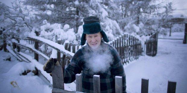 YouTuber đánh liều tới thăm thành phố lạnh nhất thế giới, buốt giá gấp 2 lần Bắc Cực và gần như chẳng bao giờ thấy mặt trời - Ảnh 5.