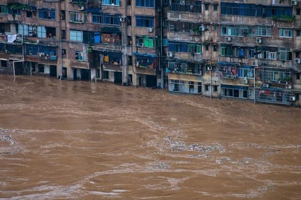 Mưa lũ tại Trung Quốc đã khiến 146 người chết và mất tích - Ảnh 1.