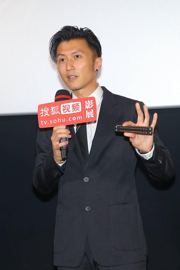 Tạ Đình Phong lần đầu lộ diện sau tuyên bố không sinh con với Vương Phi, phong độ tuổi 41 khiến chị em xỉu up xỉu down - Ảnh 3.