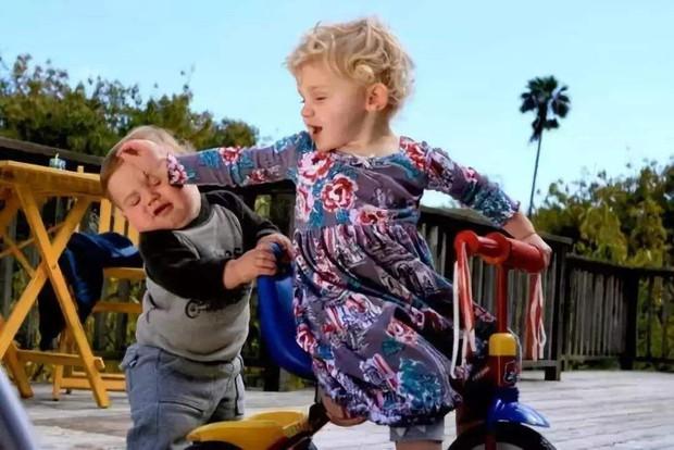 Mẹ dạy ai đánh con thì phải cho chúng bài học nặng hơn, không ngờ đứa trẻ gây ra một bi kịch động trời, người mẹ hối hận không kịp - Ảnh 2.